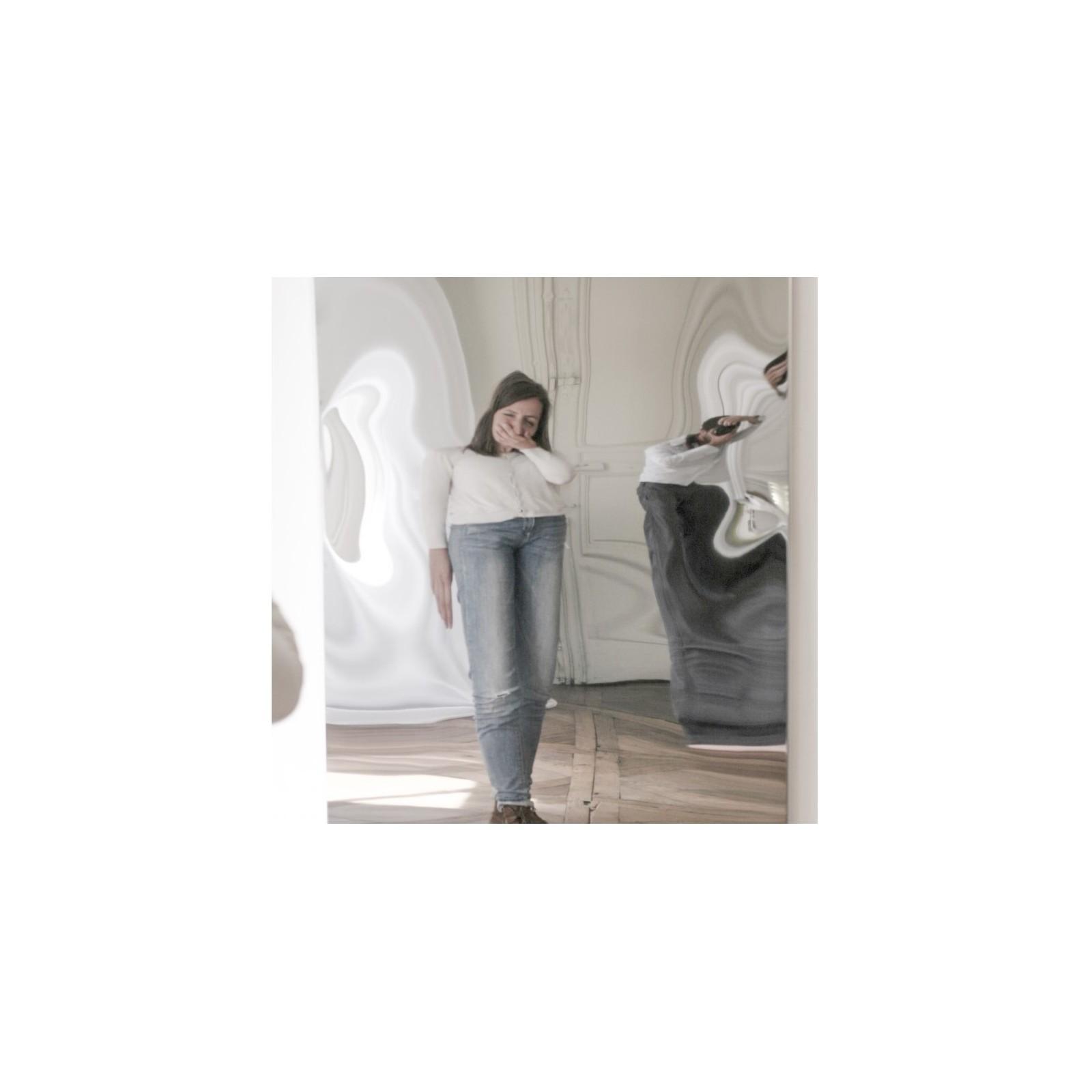 Miroir d formant carr arne concept for Miroir deformant