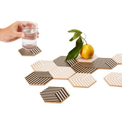 White and wood 3D tables tiles