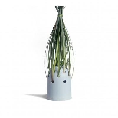 Petit vase à trou bleu