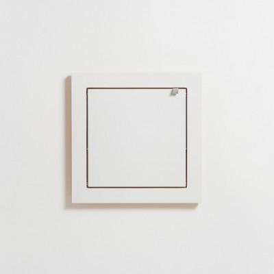 Etagère carrée feuille blanche