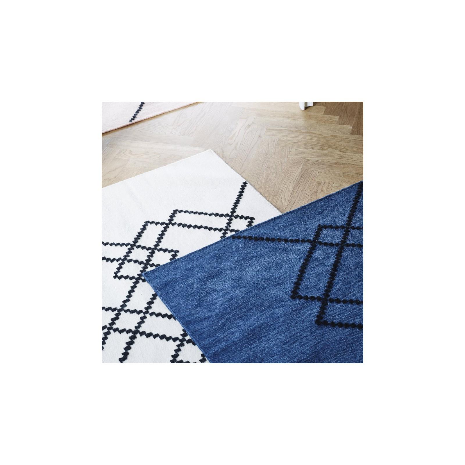 Tapis borg medium bleu fonc et noir arne concept Tapis noir et bleu