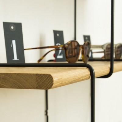 Setup 2 – Oak / Black Shelves