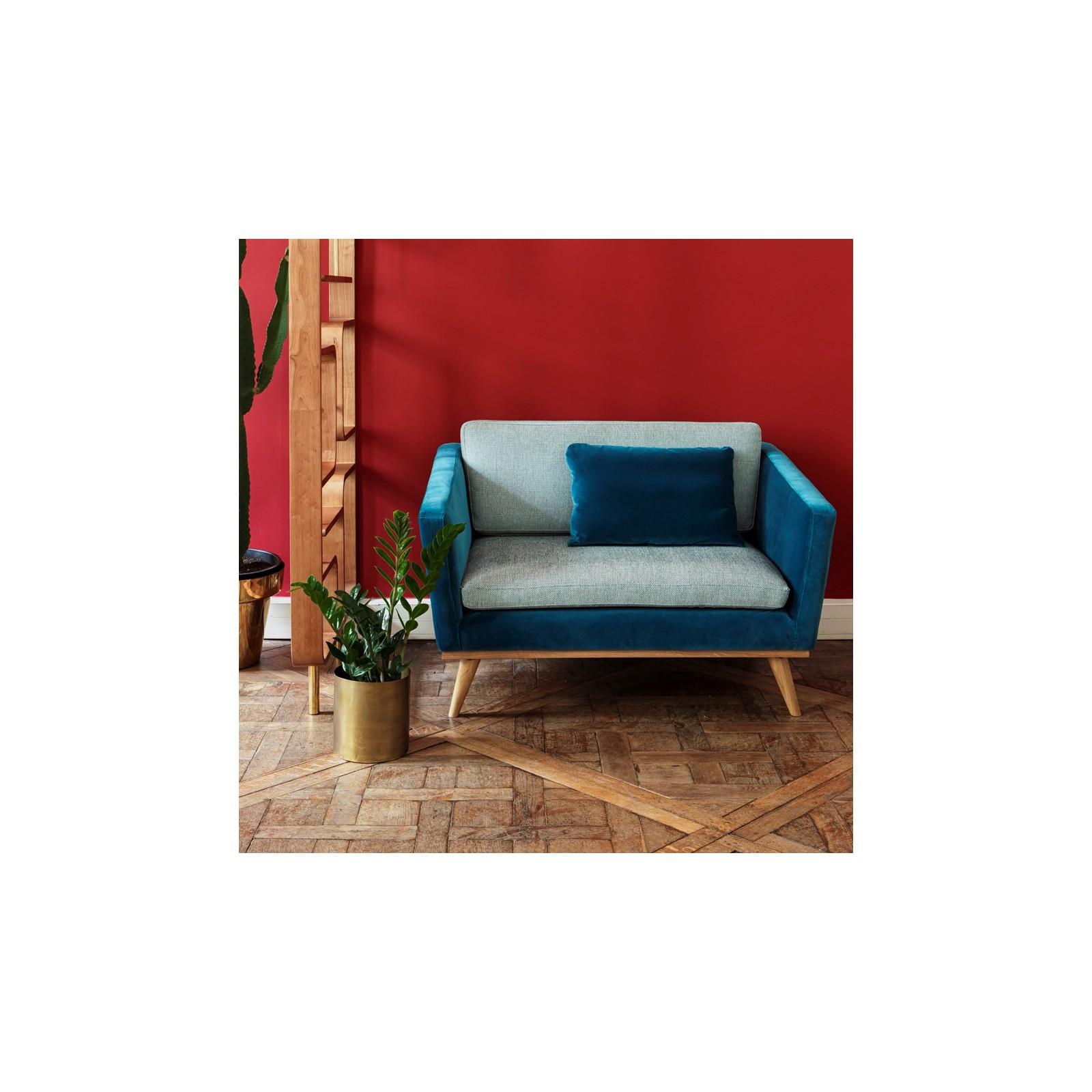 canap velours bleu simple canap places en velours jaune moutarde with canap velours bleu. Black Bedroom Furniture Sets. Home Design Ideas