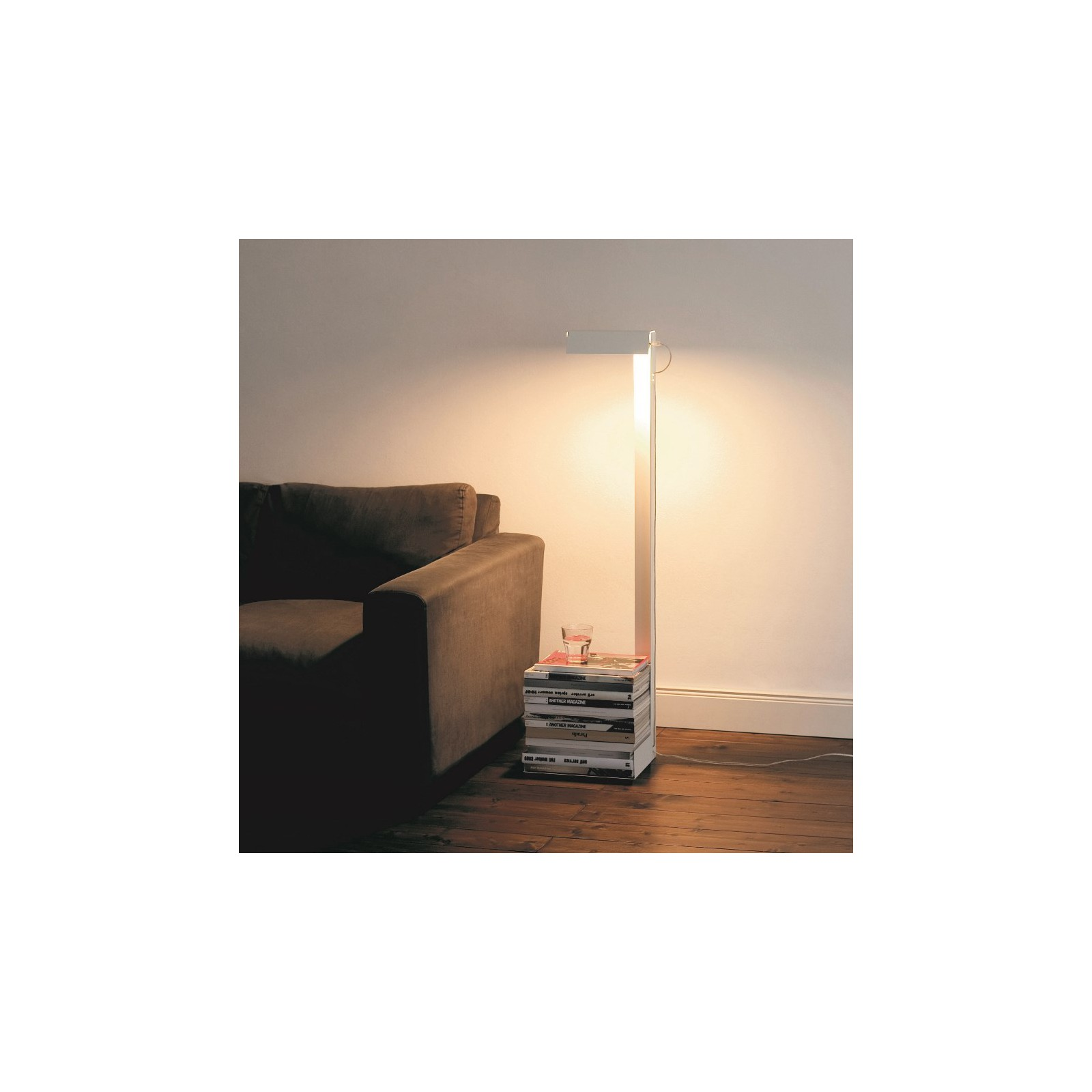 Grande lampe lire blanche arne concept - Grande horloge murale blanche ...