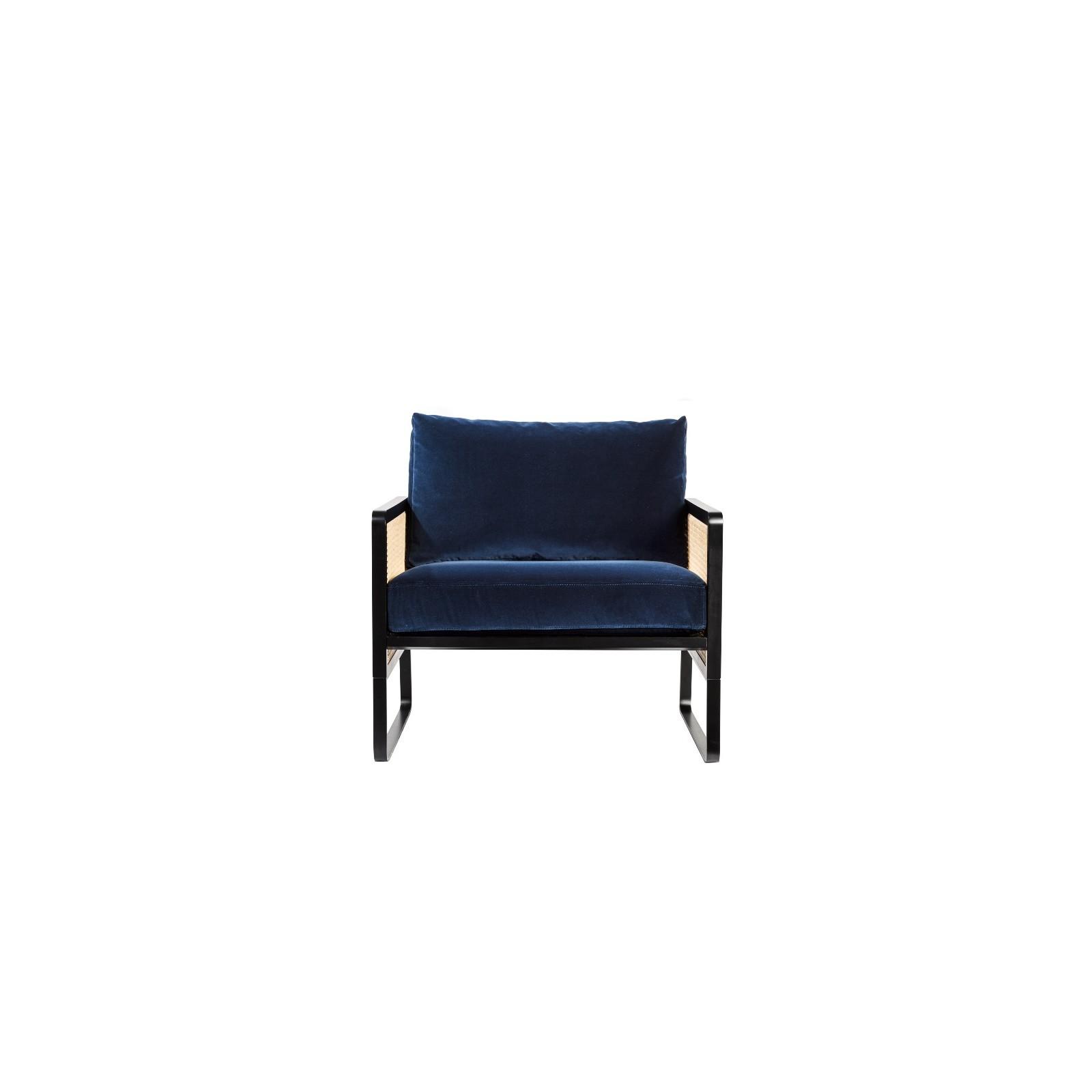 fauteuil cannage velours bleu marine arne concept. Black Bedroom Furniture Sets. Home Design Ideas