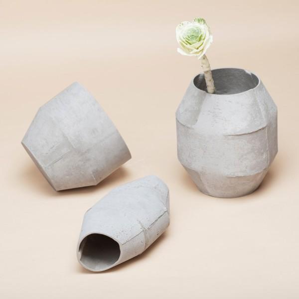 vase ciment arne concept. Black Bedroom Furniture Sets. Home Design Ideas