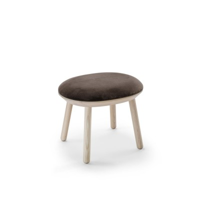 Naive Brown Stool